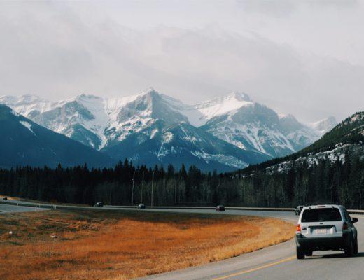 caricabatteria-auto-lunghi-viaggi